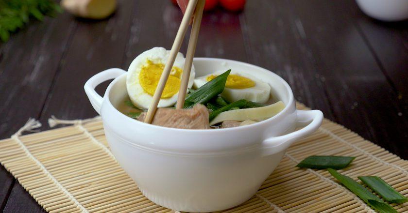 Як приготувати японський суп «Рамен» подивитися рецепт
