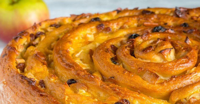 Пиріг «Равлик» з яблуками подивитися рецепт