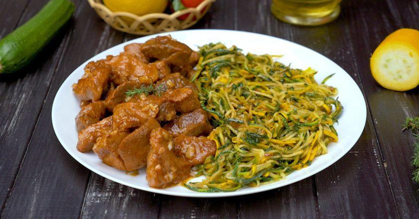 Спагетті з кабачків зі свининою подивитися рецепт