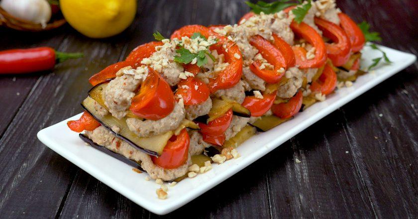 Часниково-горіховий салат подивитися рецепт