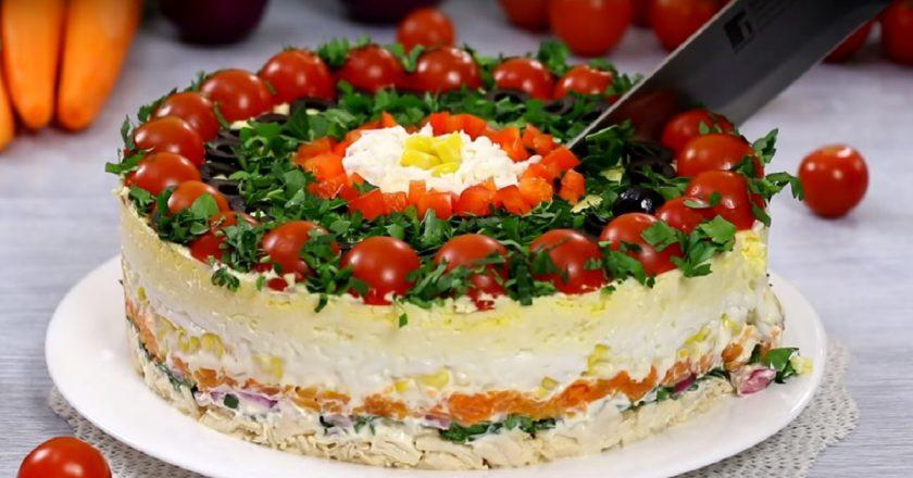 Багатошаровий салат «Гість за столом» подивитися рецепт