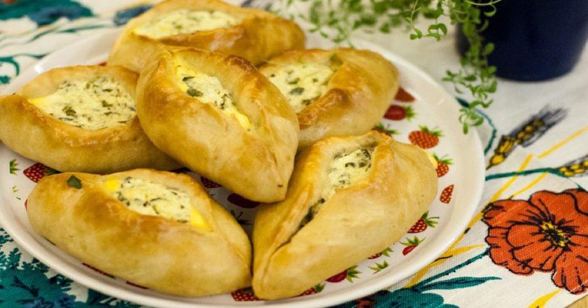 Відкриті пиріжки з сиром і сиром подивитися рецепт