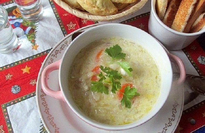 Суп з квашеної капусти