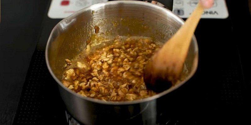 Карамелізовані горіхи