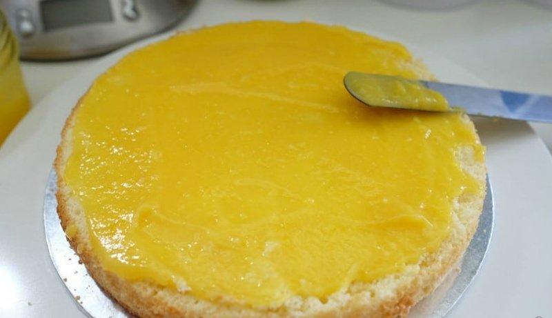Лимонний торт з глазур'ю