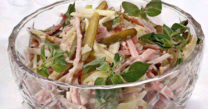 Швейцарський новорічний салат подивитися рецепт