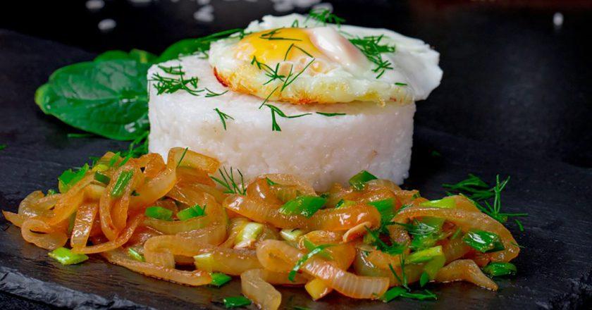 Цибуля в гострому соусі подивитися рецепт