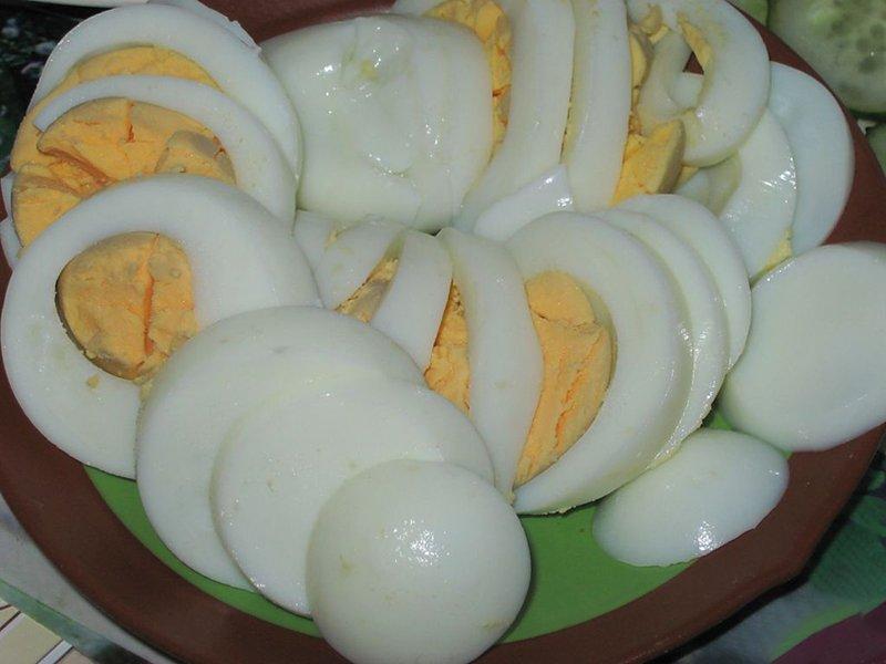 Яйця в сметані