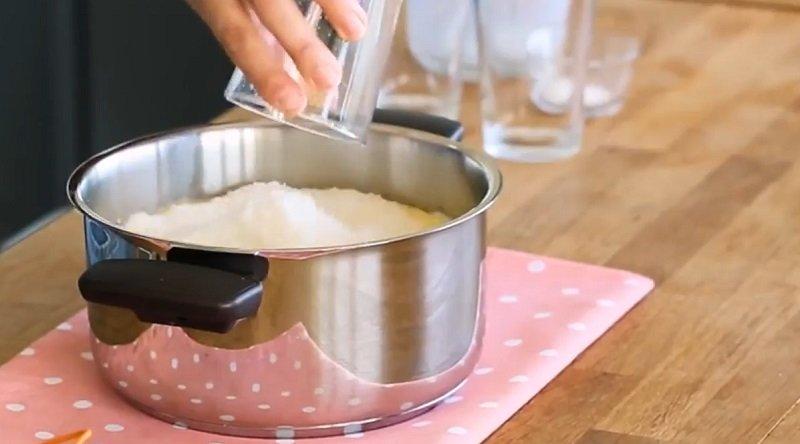 Десерт з манки