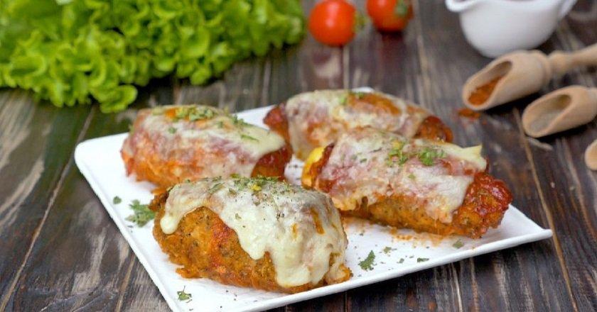 Курячі рулетики в томатному соусі подивитися рецепт