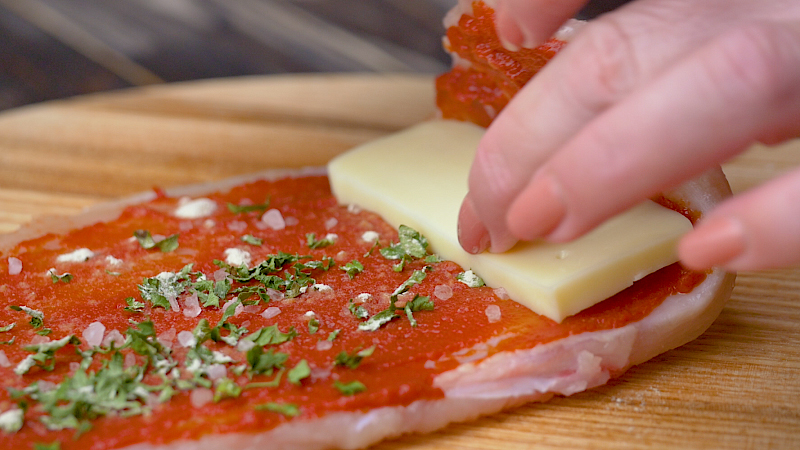 Курячі рулетики в томатному соусі