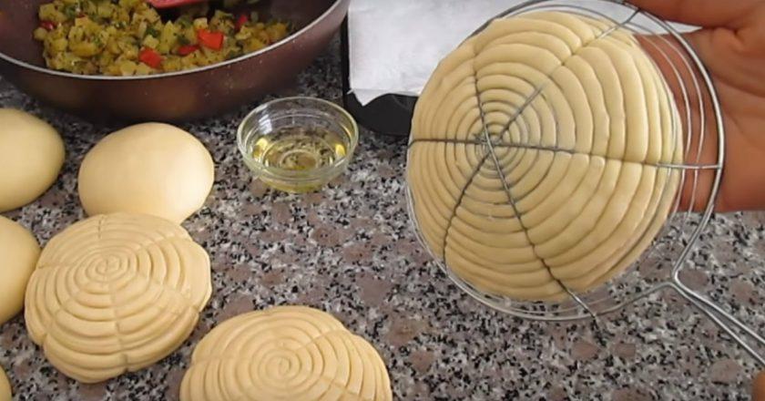 Дріжджові булочки з овочами подивитися рецепт