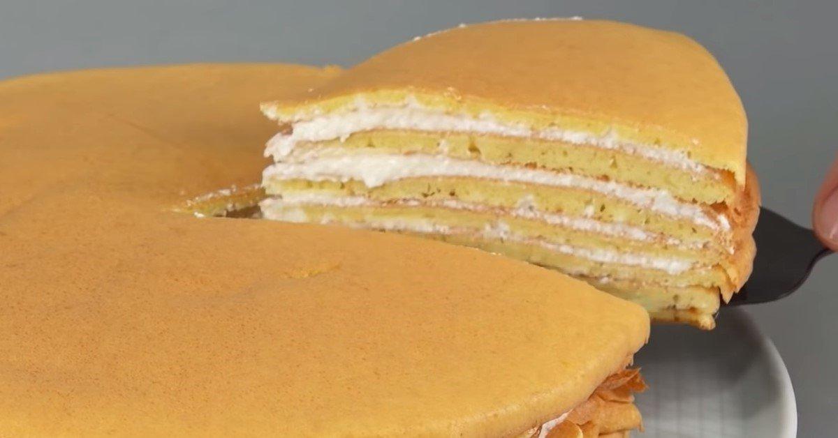 Бісквітний торт на сковороді