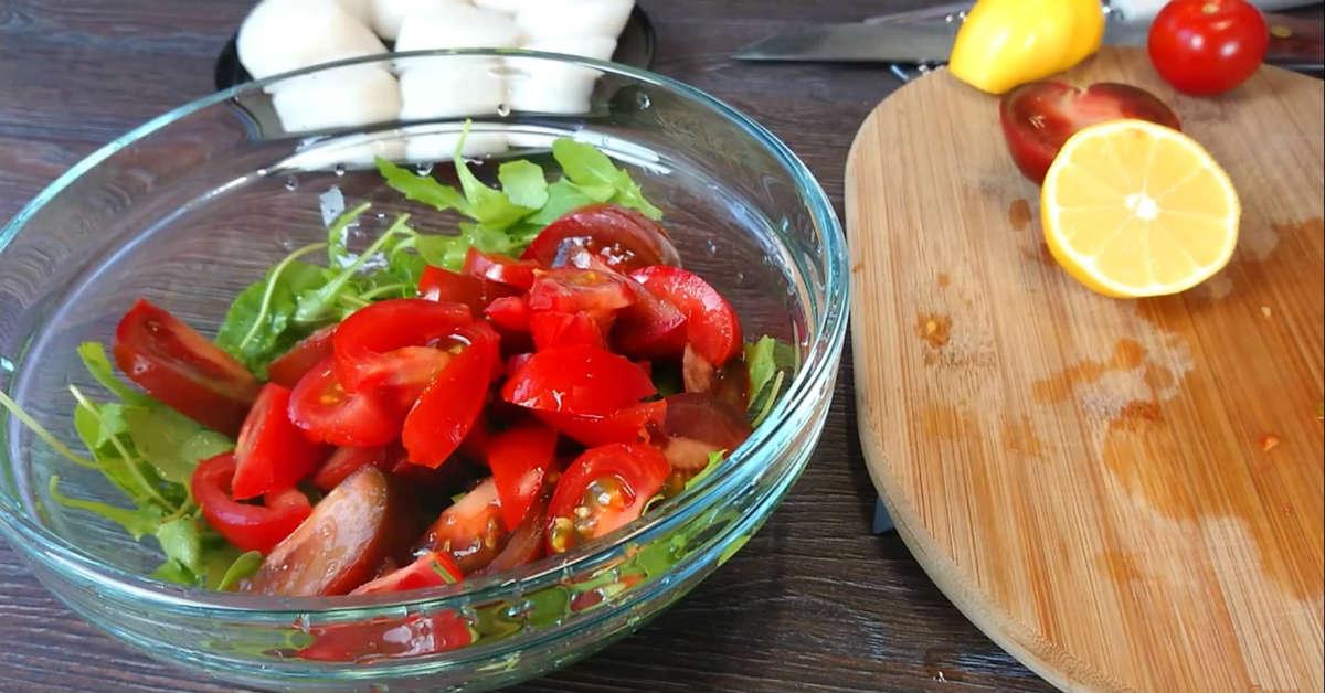 Салат з морськими гребінцями