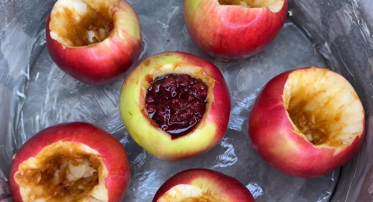 Яблучно-малиновий пиріг