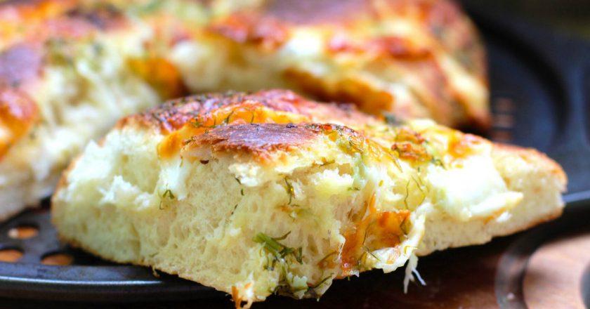 Коржик з сиром і зеленню подивитися рецепт