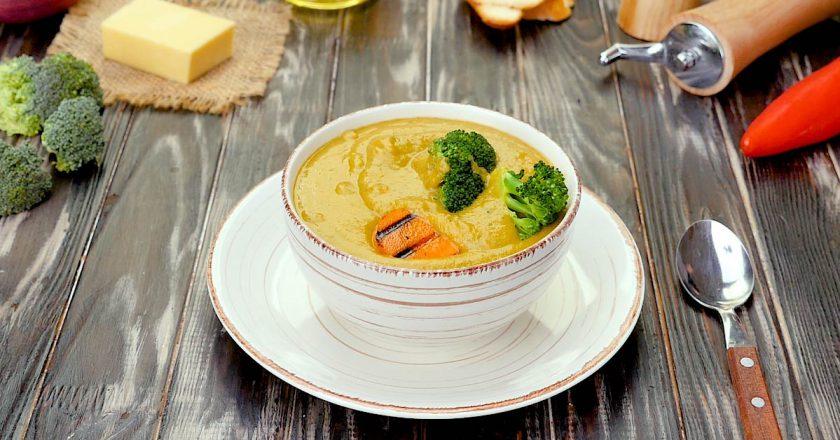 Крем-суп з брокколі та сиром - Це Смак