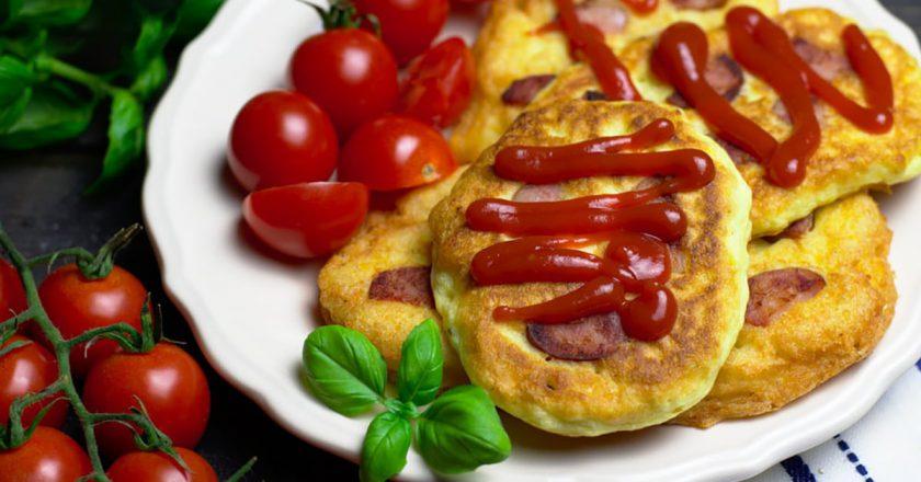 Картопляні оладки з ковбасою подивитися рецепт