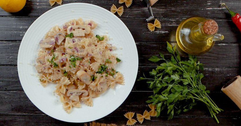 Паста з грибами у вершковому соусі подивитися рецепт