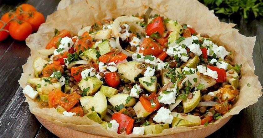 Сочевиця з овочами в пергаменті подивитися рецепт