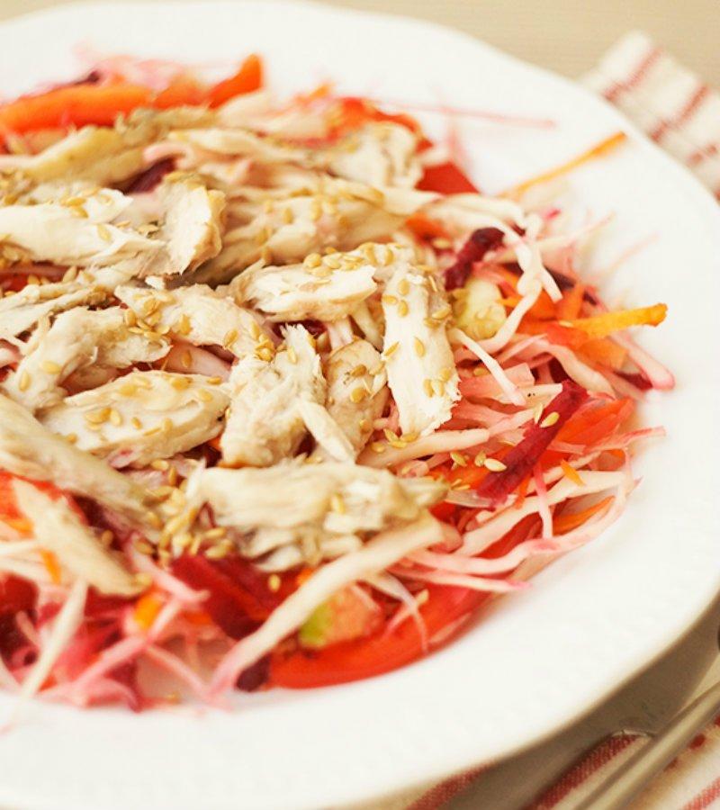 Салат з копченою скумбрією