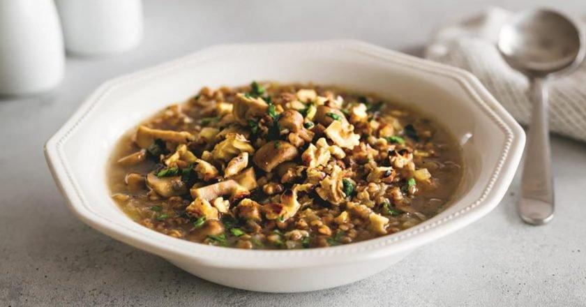 Гречаний суп з грибами подивитися рецепт