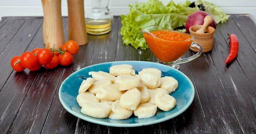 Картопляні ньоккі з томатним соусом | Цє Смак подивитися рецепт