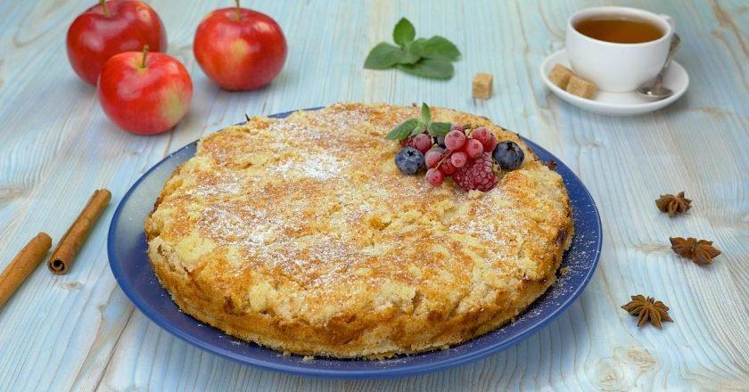 Насипний яблучний пиріг «Три склянки» подивитися рецепт