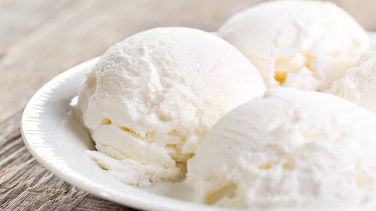 Смачне домашнє морозиво на жовтках