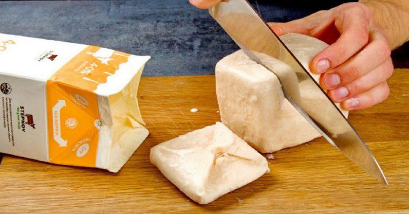 Оригінальний торт із замороженої ряжанки подивитися рецепт