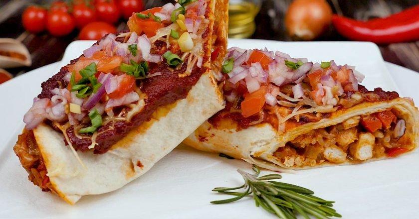 Мексиканська енчілада з куркою, квасолею і рисом подивитися рецепт