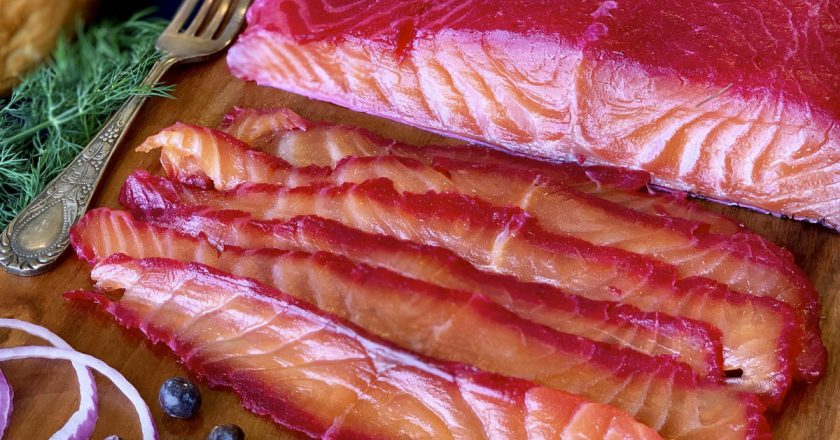 Оригінальний гравлакс з лосося з буряком подивитися рецепт