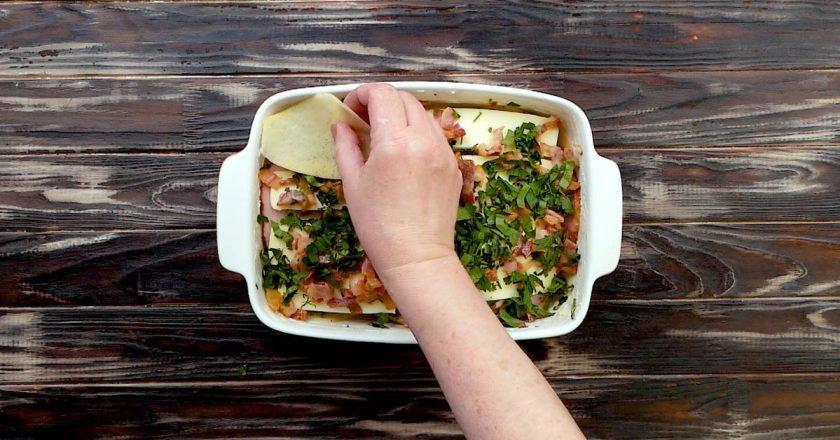 Ароматна картопляна лазанья в духовці подивитися рецепт